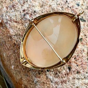 Vintage Art Deco Jewelry - Vintage 10kYG Deco Shell Cameo Pendant/ Brooch
